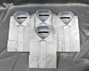 同じ白シャツを4枚オーダーしました