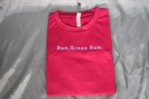 今年のTシャツはピンク