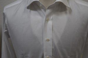 SEEKをYシャツに合わせる