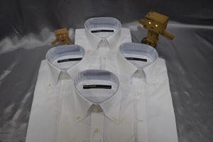 白の半袖シャツ4枚